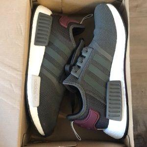 EUC Adidas womens NMD R1 size 6.5